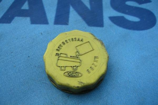 Brake fluid reservoir cap Ford Transit 1986-1998 used