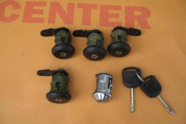 Lock set 5 qty Ford Transit 1994-2000 new