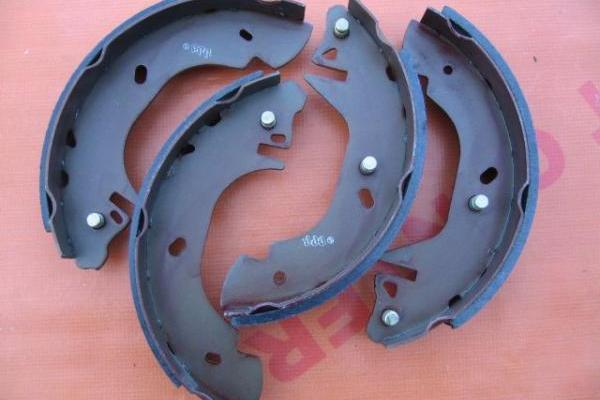Brake shoe set 14\'\' LPR Ford Transit 1991-2000 new